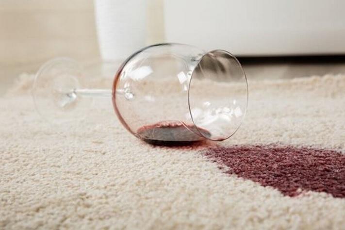 Las causas de la reaparición de las manchas de alfombras