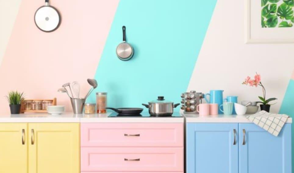 Cocinas de colores: consejos para su decoración